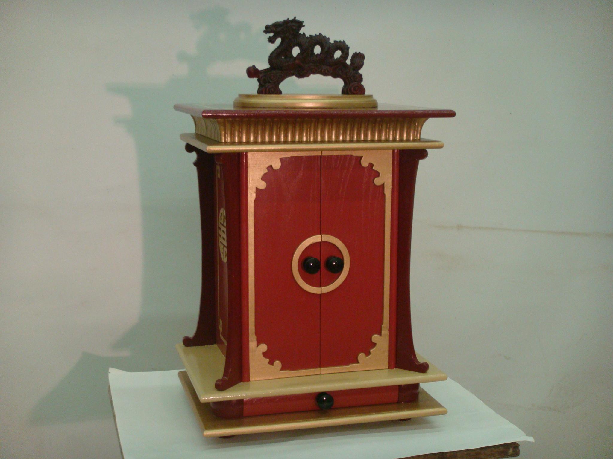 Chinese jewelry box 014.JPG